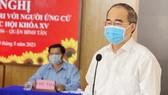 Ứng cử viên Nguyễn Thiện Nhân, Trưởng đoàn ĐBQH TPHCM trình bày chương trình hành động. Ảnh: ĐÌNH LÝ