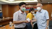 Trưởng Ban Tuyên giáo Thành ủy TPHCM thăm phóng viên, người lao động tại các báo, đài mắc Covid-19