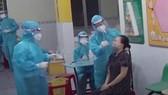 Xét nghiệm tầm soát SARS-CoV-2 cho người dân tại huyện Hóc Môn