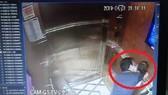 Hình ảnh cắt từ clip ghi nhận người đàn ông sàm sỡ bé gái
