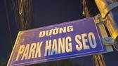 """tấm biển """"đường Park Hang Seo"""" ở quận 9 gây xôn xao dư luận."""