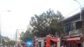 Cứu 10 người thoát khỏi đám cháy ở chung cư quận 6