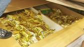 76 gói trà chứa tinh thể rắn màu trắng là ma túy đá và Ketamin (có trọng lượng khoảng 76kg)
