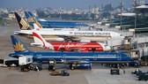 Vé máy bay Hà Nội - TPHCM khan hiếm, giá cao