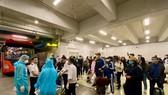 Hành khách làm thủ tục hàng không