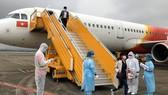 Thêm 4 chuyến bay đưa hành khách bị mắc kẹt tại Đà Nẵng trở về Hà Nội và TPHCM