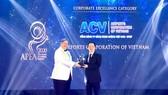 Đại diện ACV nhận giải thưởng Doanh nghiệp xuất sắc châu Á 2020