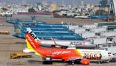 Hàng trăm máy bay phải tạm dừng hoạt động do ảnh hưởng của dịch Covid-19