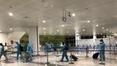 Hành khách nhập cảnh Sân bay Nội Bài