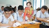 Cô và trò Trường THCS Lạc Hồng (quận 10, TPHCM) trong một giờ lên lớp
