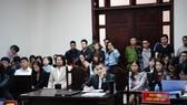 Nghị án kéo dài vụ kiện giữa Công ty CP Tuần Châu Hà Nội và đạo diễn Việt Tú