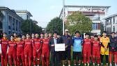 Hội Nhà báo TPHCM trao 400 triệu đồng cho Đội tuyển nữ Việt Nam