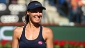 Martina Hingis tươi cười thông báo tin giải nghệ
