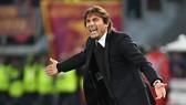 Antonio Conte bực mình với màn trình diễn của các học trò trong hiệp 2