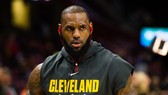 "LeBron James tiếp tục ""gánh team"" Cavs"