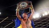 Lomachenko bảo vệ thành công đai dưới nhẹ của WBO