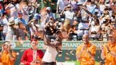 Sloane Stephens hạnh phúc với chiếc cúp vô địch Miami Open 2018