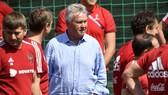 Guus Hiddink rất am hiểu bóng đá châu Á