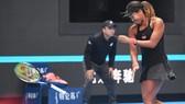 Naomi Osaka không kềm nén được cảm xúc của mình