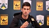 Novak Djokovic trong buổi họp báo trước giải