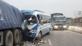 Tai nạn giao thông nghiêm trọng, 2 người chết, hàng chục người bị thương