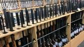 Lệnh cấm bán vũ khí mới có hiệu lực từ 3 giờ chiều 21-3. Ảnh: REUTERS