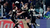 Vũ điệu chiến thắng đẹp mắt của Ajax