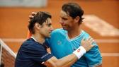 Nadal tạm biệt người bạn cũ Ferrer