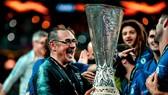 Với ngôi vô địch Europa League, Sarri chợt trở nên có giá