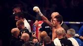 Là nhà vô địch tuyệt đối hạng cân bán nặng, nhưng Usyk chỉ là tân binh ở hạng nặng