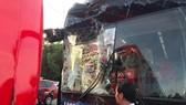 Chiếc xe buýt chở đoàn thể thao Việt Nam sau vụ tai nạn