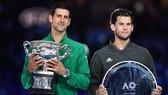 Djokovic đăng quang Australian Open lần thứ 8, còn Thiem thua ở CK Grand Slam lần thứ 3