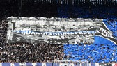 Rất đông khán giả đến xem trận Atalanta - Valencia hôm 19-2