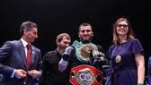 Beterbiev toàn thắng cả 16 trận bằng KO