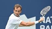 Medvedev sẽ đấu với Hurkacz ở tứ kết