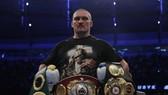 Usyk trở thành nhà vô địch thế giới mới, giữ 4 đai hạng nặng