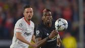 Jose Mourinho úp mở rằng Paul Pogba có thể đá với Sevilla.