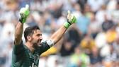 Gigi Buffon cần 1 tuần để quyết định.