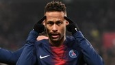 Neymar đã trở lại tập luyện nhưng thi đấu lại là chuyện khác.