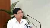 Chairman of HCMC People's Committee Nguyen Thanh Phong delivered his speech in the conference. (Photo: SGGP)