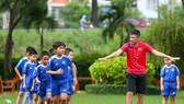 Công Vinh ra mắt học viện bóng đá cộng đồng CV9. Ảnh: Nhật Anh