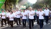 Lãnh đạo Thành phố tham dự Ngày chạy Olympic vì sức khỏe toàn dân. Ảnh: Dũng Phương