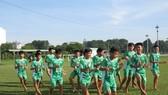 Các cầu thủ Học viện NutiFood tập luyện chuẩn bị cho trân đấu