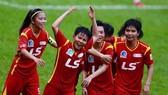 Khó cản Huỳnh Như và các đồng đội đăng quang ở giải lần này. Ảnh: Anh Trần