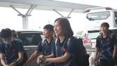 Đội tuyển nữ Việt Nam tại sân bay Tân Sơn Nhất. Ảnh: Hữu Thịnh