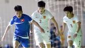 Đội Trung Quốc (áo trắng) cũng góp mặt ở VCK lần này. Ảnh: Anh Trần