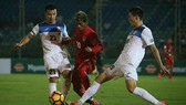 Myanmar (áo đỏ) trong trận thua 0-7 trước Kyrgyztan. Ảnh: AFC