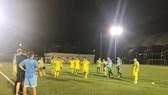 Buổi tập của đội U19 Việt Nam thường kết thúc vào nửa đêm. Ảnh: HỮU THỊNH