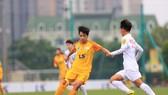 Hoài Lương cùng đội nữ TPHCM I giành ngôi vô địch lượt đi sau chiến thắng cách biệt trước Hà Nội II