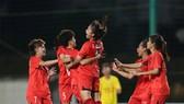 Niềm vui vô địch của các cô gái đội Dự tuyển Việt Nam